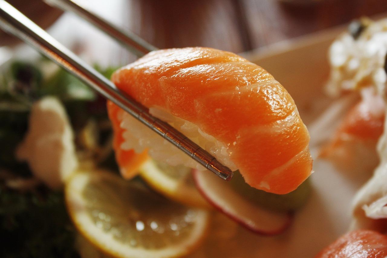 くら寿司とスシローどっちが好き?鮮度がいい・美味しいのは?子連れに人気なのは?
