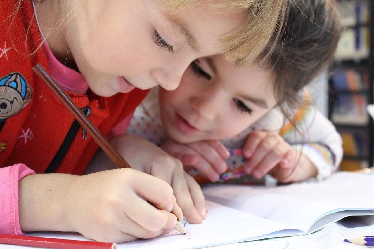 塾と家庭教師中学生におすすめはどっち?費用や学力偏差値の向上は!