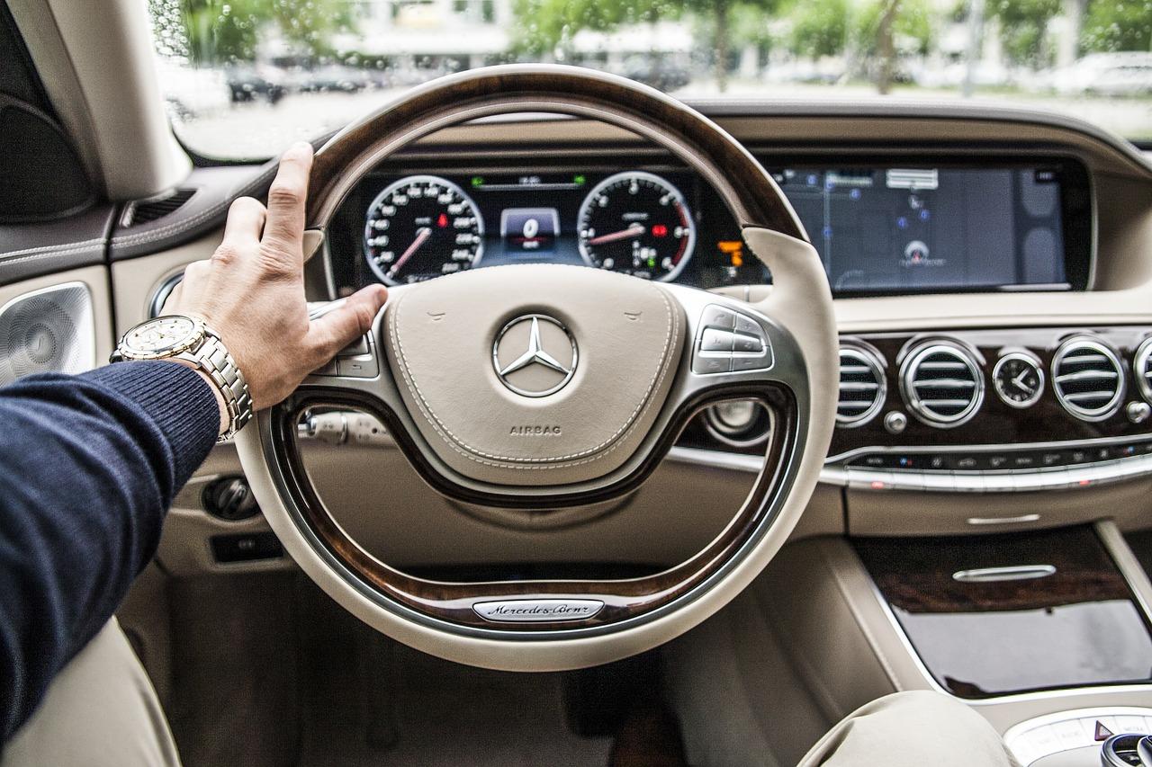 高齢者の運転免許返納どうすべき?みんなの意見まとめ!義務化や条件どう思う?
