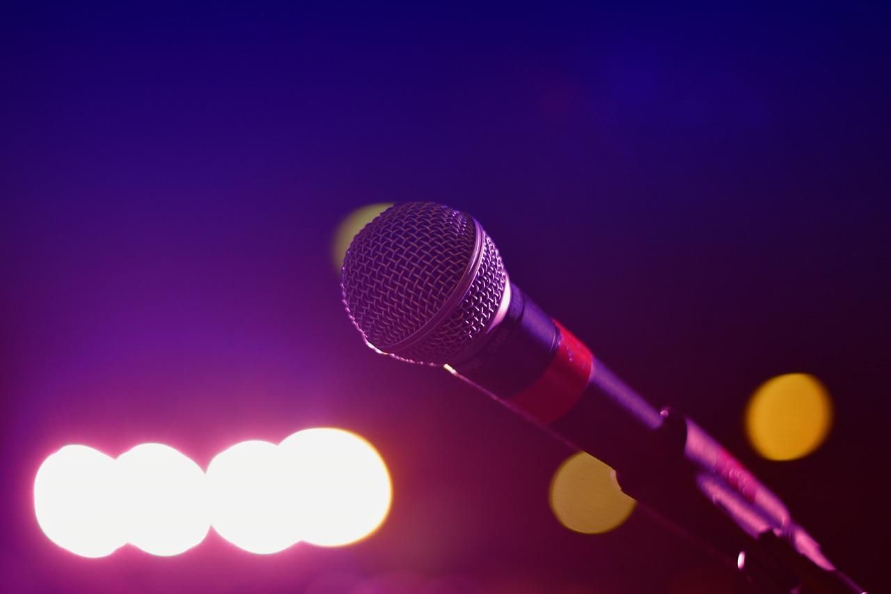 人気カラオケチェーンランキング!みんなが好きなおすすめ店?歌いやすい・サービスがいいのは!